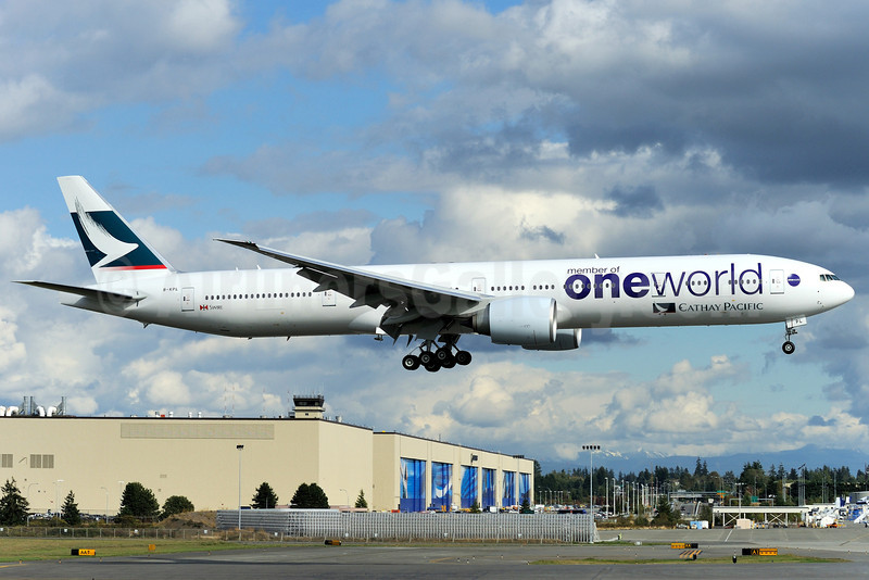 Cathay Pacific Airways Boeing 777-367 ER B-KPL (msn 36161) (Oneworld) PAE (Royal S. King). Image: 903767.