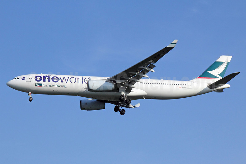 Cathay Pacific Airways Airbus A330-343 B-HLU (msn 539) (Oneworld) BKK (Michael B. Ing). Image: 911299.