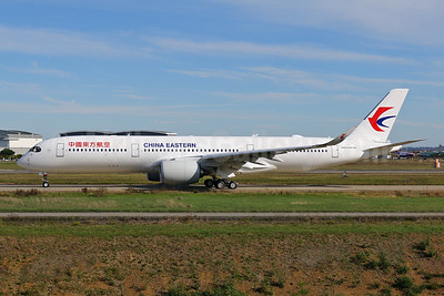 First flight of the first Airbus A350-900 for China Eastern