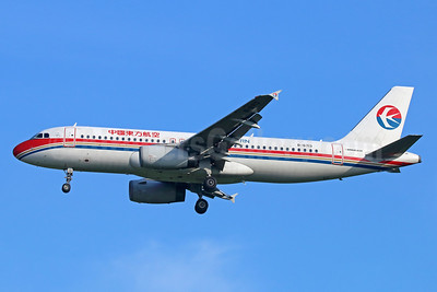 China Eastern Airlines Airbus A320-214 B-6713 (msn 6713) BKK (Michael B. Ing). Image: 936189.