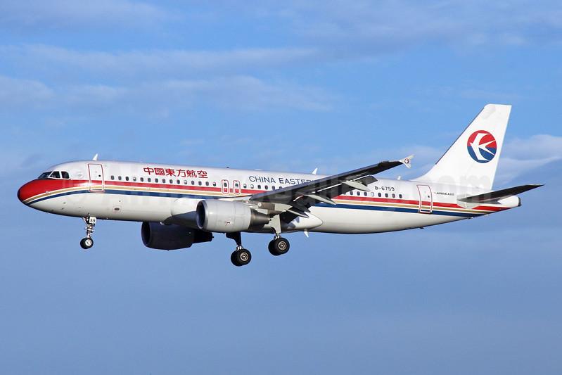 China Eastern Airlines Airbus A320-214 B-6759 (msn 4723) PEK (Michael B. Ing). Image: 912386.