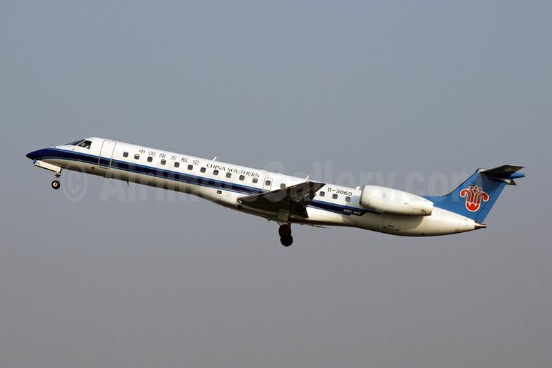 China Southern Airlines Embraer ERJ 145LI B-3060 (msn 145701) PEK (Michael B. Ing). Image: 904416.