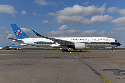China Southern Airlines Airbus A350-941 B-309W (msn 334) AMS (Ton Jochems). Image:  953320.