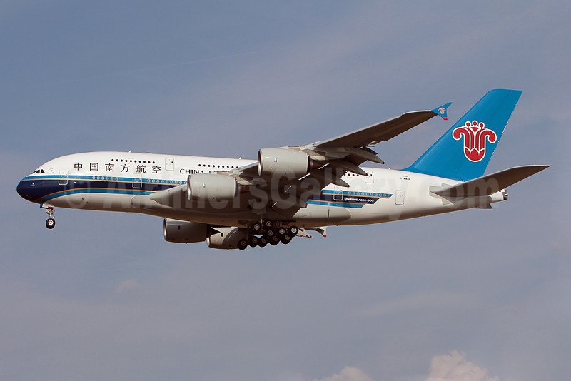China Southern Airlines Airbus A380-841 F-WWAR (B-6139) (msn 088) TLS (Olivier Gregoire). Image: 909795.