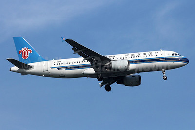 China Southern Airlines Airbus A320-214 B-6283 (msn 2834) SIN (Michael B. Ing). Image: 907951.