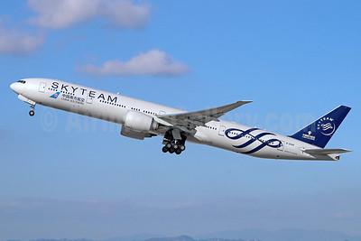 China Southern Airlines Boeing 777-31B ER B-2049 (msn 43225) (SkyTeam) LAX (Michael B. Ing). Image: 936365.
