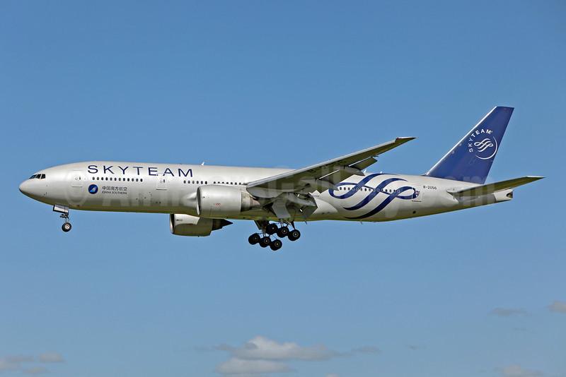 China Southern Airlines Boeing 777-21B ER B-2056 (msn 27525) (SkyTeam) SYD (John Adlard). Image: 910675.