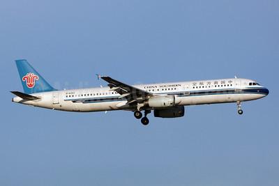 China Southern Airlines Airbus A321-231 B-6353 (msn 3552) BKK (Jay Selman). Image: 402283.