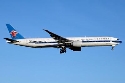 China Southern Airlines Boeing 777-31B ER B-2099 (msn 43219) JFK (Jay Selman). Image: 403139.