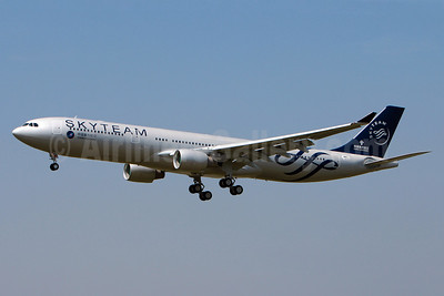 China Southern Airlines Airbus A330-323 F-WWCL (B-5928) (msn 1430) (SkyTeam) TLS (Olivier Gregoire). Image: 913125.