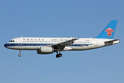 China Southern Airlines Airbus A320-232 B-6277 (msn 2701) PEK (Michael B. Ing). Image: 905699.
