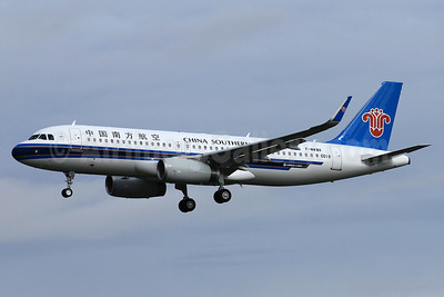 China Southern Airlines Airbus A320-216 WL F-WWBX (B-1801) (msn 6018) TLS (Eurospot). Image: 937733.