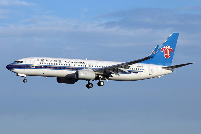 China Southern Airlines Boeing 737-81B WL B-5678 (msn 38929) PEK (Michael B. Ing). Image: 912311.