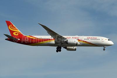 Hainan Airlines Boeing 787-9 Dreamliner B-7835 (msn 62712) BOS (Fred Freketic). Image: 934971.