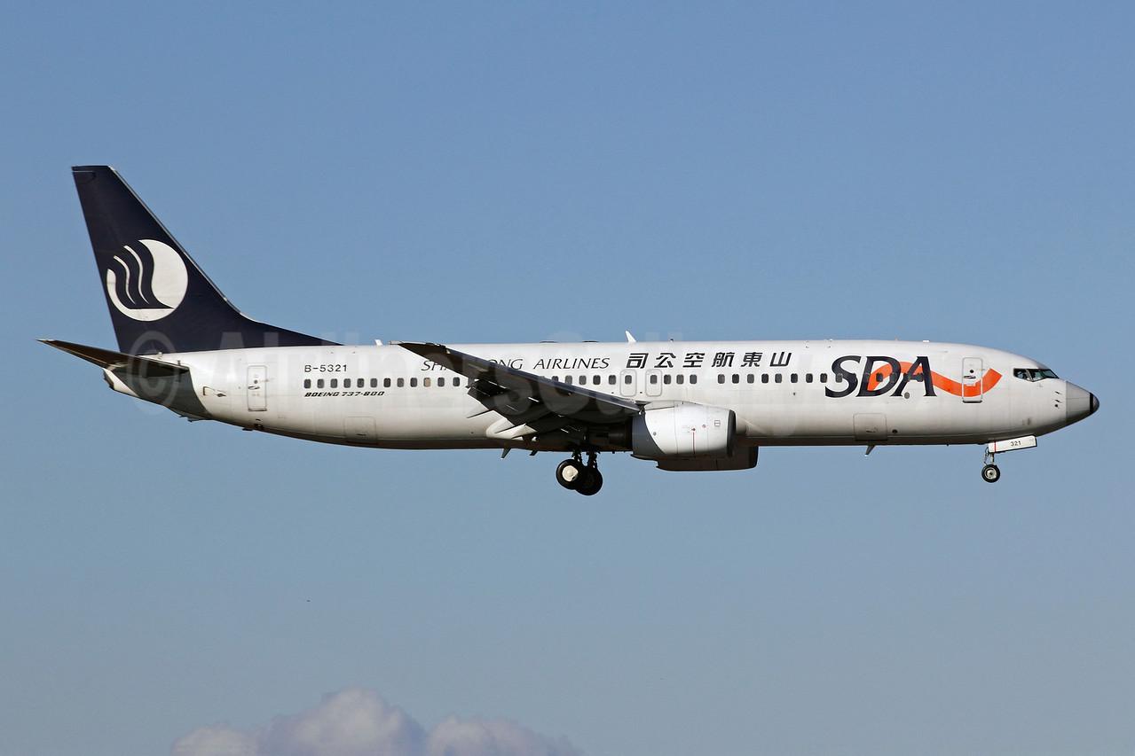 Shandong Airlines-SDA Boeing 737-8AL B-5321 (msn 35075) PEK (Michael B. Ing). Image: 908024.