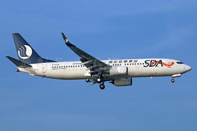 Shandong Airlines-SDA Boeing 737-85N WL B-5726 (msn 38883) PEK (Michael B. Ing). Image: 934328.