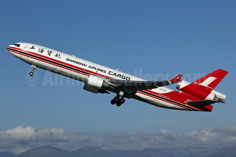 Shanghai Airlines Cargo McDonnell Douglas MD-11F B-2178 (msn 48543) ANC (Michael B. Ing). Image: 905297.