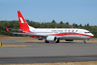 Shanghai Airlines Boeing 737-800 WL B-1452 (msn 41380) PAE (Nick Dean). Image: 939092.