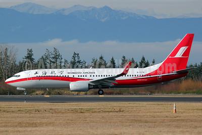 Shanghai Airlines Boeing 737-86N WL B-5576 (msn 38011) PAE (Nick Dean). Image: 905964.