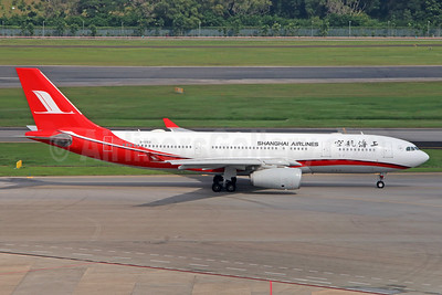 Shanghai Airlines Airbus A330-243 B-5931 (msn 1440) SIN (Michael B. Ing). Image: 934897.