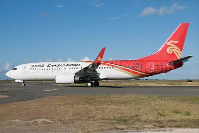 Shenzhen Airlines Boeing 737-87L WL B-5612 (msn 39146) HNL (Ivan K. Nishimura). Image: 927292.