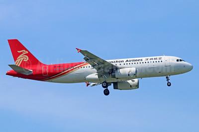Shenzhen Airlines Airbus A320-232 B-6613 (msn 4176) BKK (Michael B. Ing). Image: 939360.