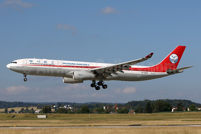 Sichuan Airlines Airbus A330-343 B-5929 (msn 432) ZRH (Andi Hiltl). Image: 943186.