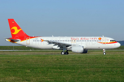 Tianjin Airlines Airbus A320-214 D-AXAH (B-9983) (msn 5799) XFW (Gerd Beilfuss). Image: 913774.