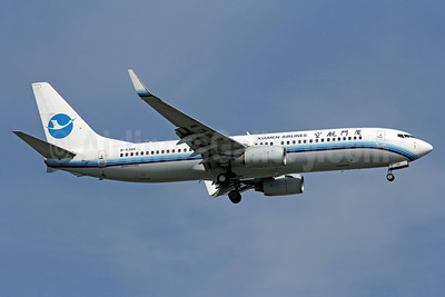 Xiamen Airlines Boeing 737-86N WL B-5385 (msn 35633) SIN (Michael B. Ing). Image: 907731.