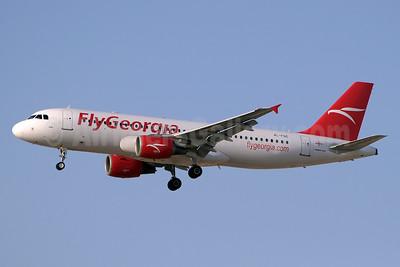 FlyGeorgia (flygeorgia.com) (Georgia) Airbus A320-214 4L-FGC (msn 1439) DXB (Paul Denton). Image: 913488.