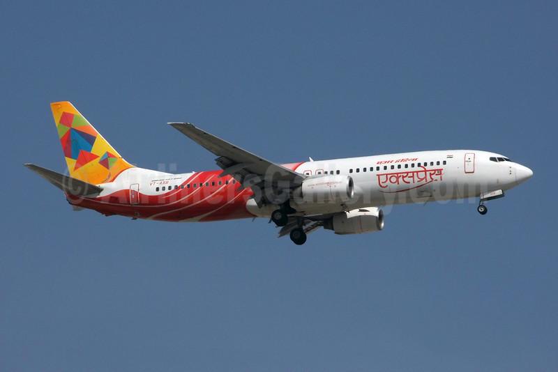 Air India Express Boeing 737-8BK VT-AXB (msn 33023) (Indian kite) DXB (Jay Selman). Image: 402255.