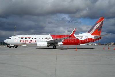 Air India Express Boeing 737-8HG WL VT-AYC (msn 36339) (Naga woolen shawl) YYZ (TMK Photography). Image: 903765.