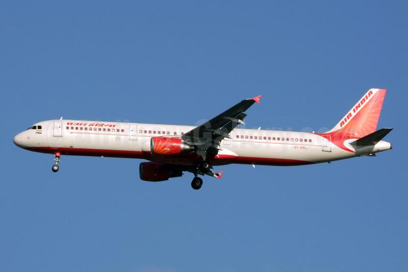 Air India Airbus A321-211 VT-PPL (msn 3752) BKK (Jay Selman). Image: 402262.