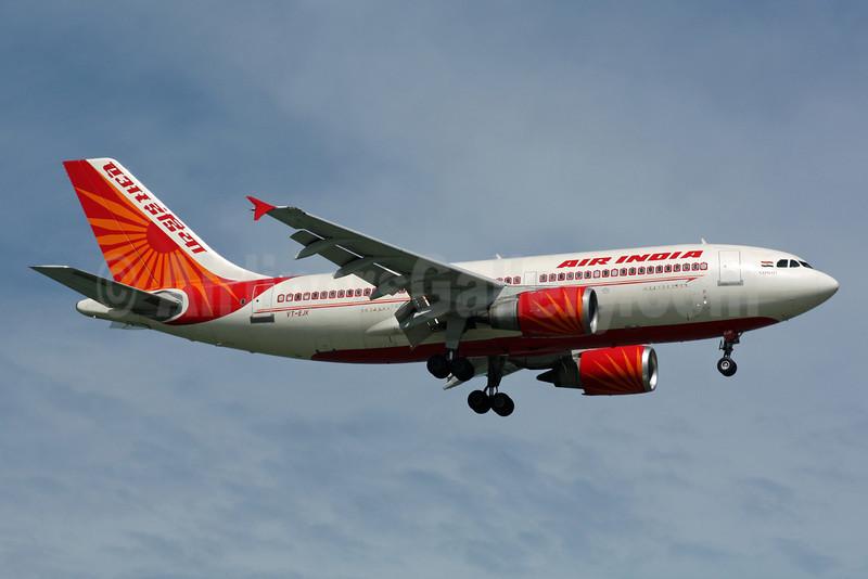 Air India Airbus A310-304 VT-EJK (msn 429) SIN (Michael B. Ing). Image: 900913.