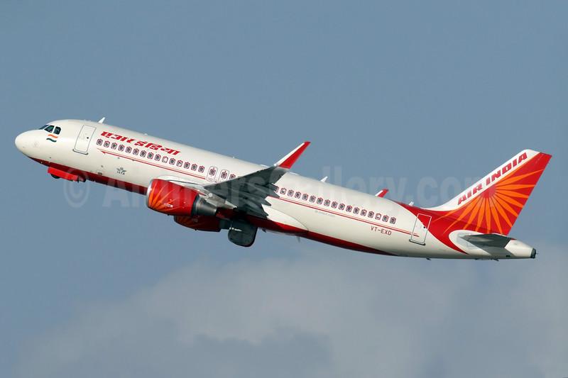 Air India Airbus A320-232 WL VT-EXD (msn 6724) DXB (Speedbird Images). Image: 931762.