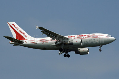 Air India Airbus A310-324 VT-AIO (msn 693) SIN (Michael B. Ing). Image: 912705.