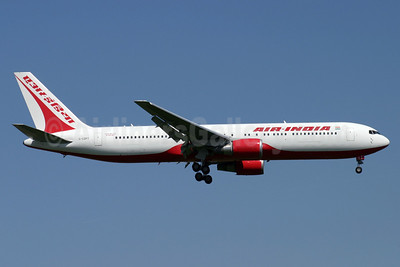 Air India (Flyglobespan) Boeing 767-319 ER G-CDPT (msn 29388) LHR (Antony J. Best). Image: 900251.