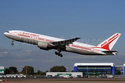 Air India Boeing 777-222 ER VT-AIJ (msn 26943) LHR (SPA). Image: 936944.