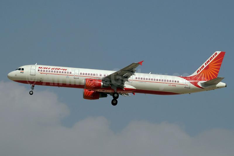 Air India Airbus A321-211 VT-PPN (msn 3955) DXB (Paul Denton). Image: 912145.