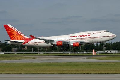 Air India Boeing 747-437 VT-ESM (msn 27078) LHR (SPA). Image: 924532.