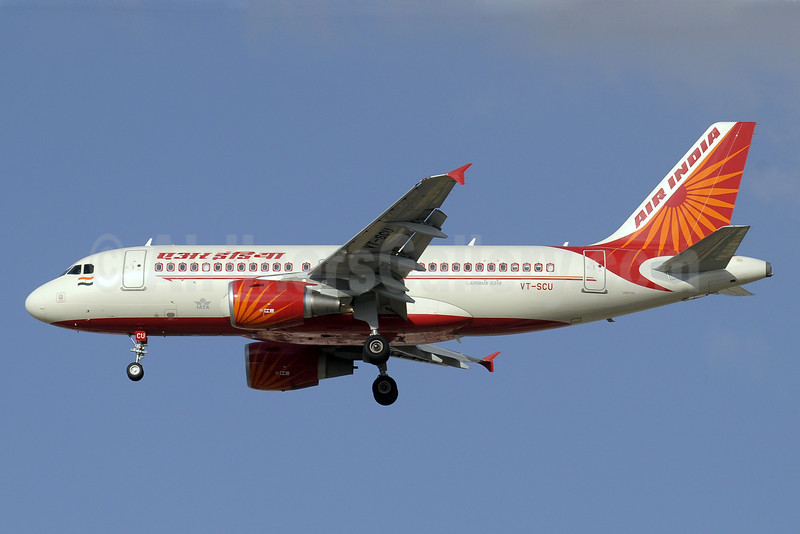 Air India Airbus A319-112 VT-SCU (msn 4052) DXB (Paul Denton). Image: 904582.