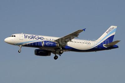 IndiGo Airlines Airbus A320-232 VT-IES (msn 5090) DXB (Paul Denton). Image: 910236.