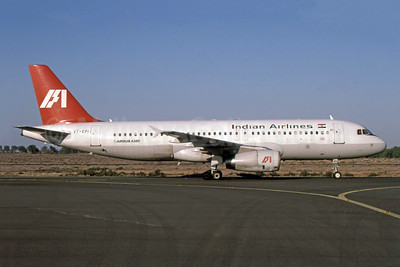 Indian Airlines Airbus A320-231 VT-EPI (msn 056) SHJ (SPA). Image: 941109.