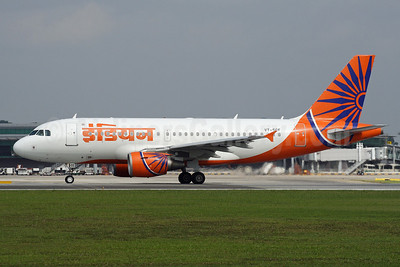 Indian Airlines Airbus A319-112 VT-SCE (msn 1718) SIN (Michael B. Ing). Image: 912886.