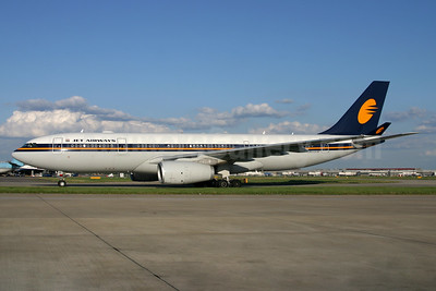 Jet Airways Airbus A330-243 VT-JWE (msn 807) LHR (SPA). Image: 938032.