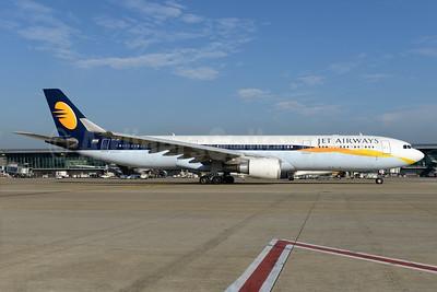Jet Airways Airbus A330-302 VT-JWT (msn 1370) BRU (Ton Jochems). Image: 932920.