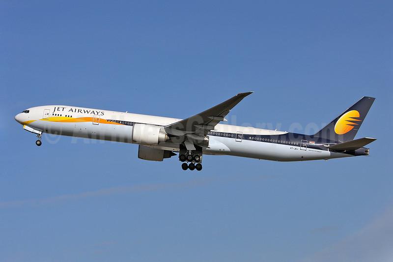 Jet Airways Boeing 777-35R ER VT-JEJ (msn 35161) LHR (Keith Burton). Image: 902345.