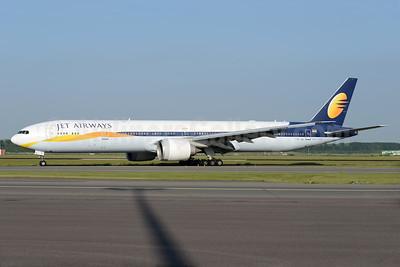 Jet Airways Boeing 777-35R ER VT-JEK (msn 35165) AMS (Ton Jochems). Image: 938031.