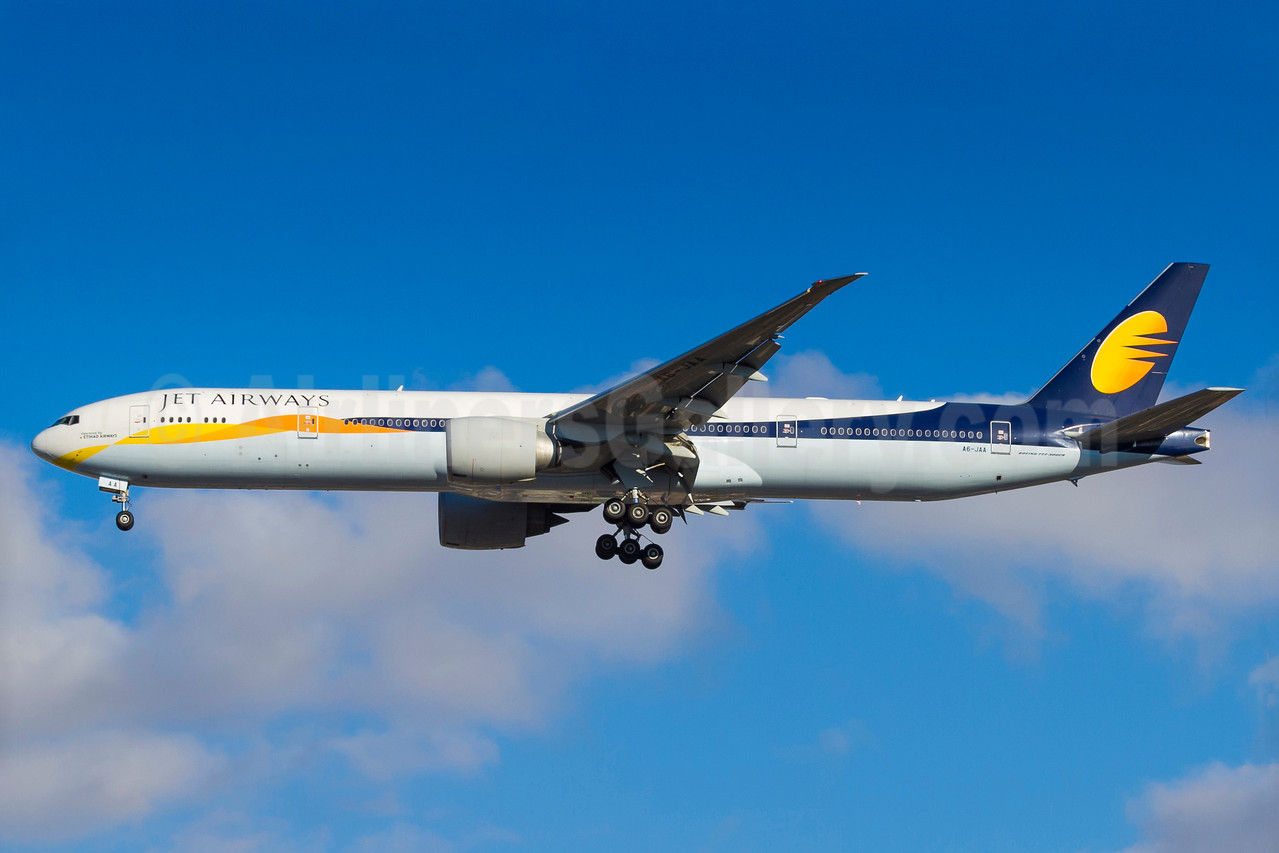 Jet Airways (Etihad Airways) Boeing 777-35R ER A6-JAA (msn 35159) GRU (Rodrigo Cozzato). Image: 934040.