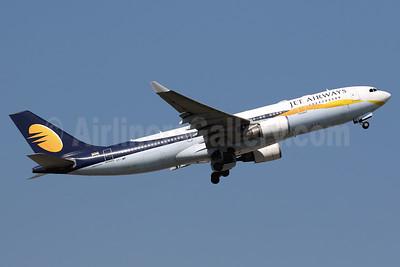 Jet Airways Airbus A330-202 VT-JWP (msn 947) HKG (Javier Rodriguez). Image: 937747.